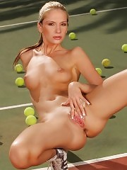 Stunning tennis player nudes and fingers pussy on court